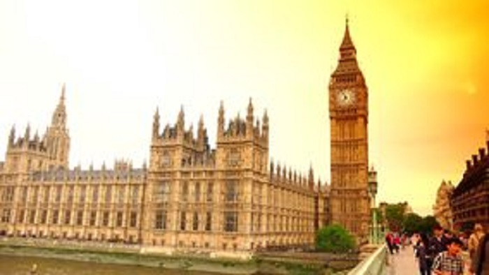 ultra-hd-k-real-time-parliament-big-ben-westminster-bridge-london-uk-circa-palace-palace-meeting-place-house-65228205[1]