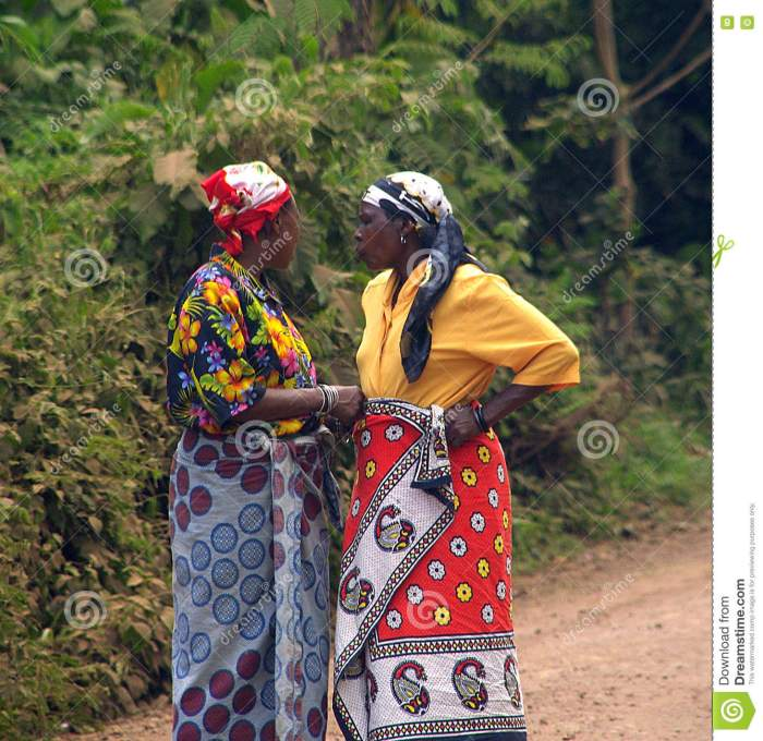 conversation-two-tanzanian-women-woman-talking-road-79621093[2]