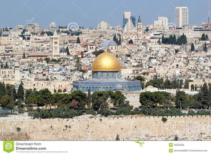 jerusalem-old-town-cityview-view-dome-rock-mosque-mount-olives-israel-33532266[1]