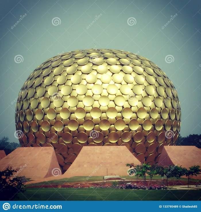 auroville-auroville-meditation-hall-pondicherry-india-133795489[1]