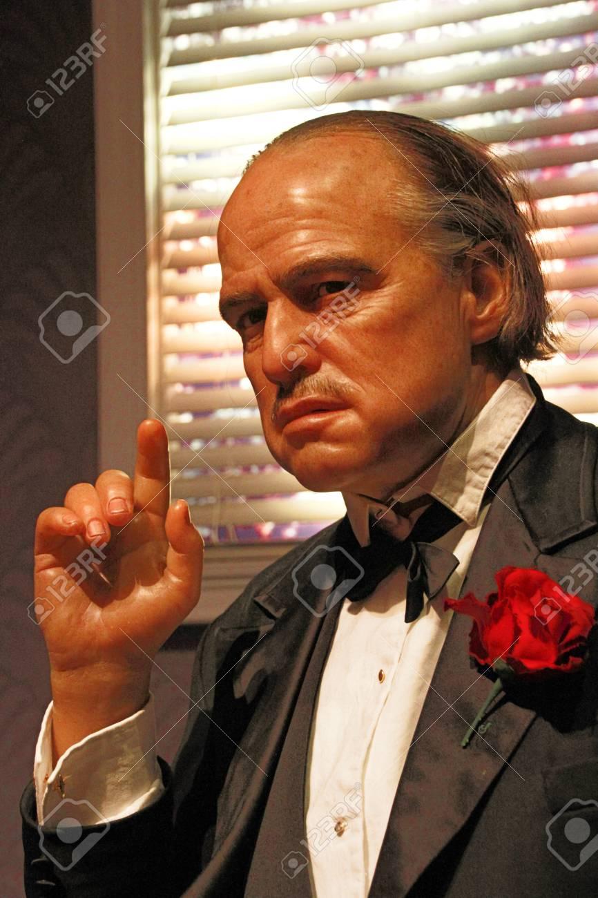 119860699-los-angeles-ca-28-oct-2013-waxwork-of-marlon-brando-as-godfather-don-vito-corleone-marlon-brando-wax